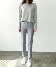 Love how boxy this is. Maybe a little too casual altogether but enjoy that this could be dressed up or down. Looks like all the fabric is soft to the touch and stretchy.