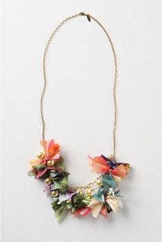 DIY anthropology inspired pretty-in-pinking necklace by Flamingo Toes- I am definitely making this for my friend for Christmas. She will love it