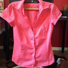 Chemise mango dans T-Shirt / vêtements / mode