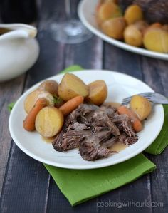 Slow Cooker Pot Roast with Gravy| cookingwithcurls.com