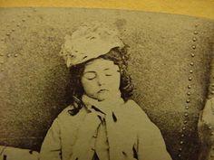 Antique vintage Post Mortem Cabinet Card Stereoview Photo Girl Child w book |