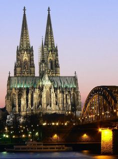 Cologne Cathedral, Cologne, Germany | #holidayspots4u