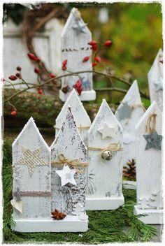 Dekoration aus Holz für Weihnachten