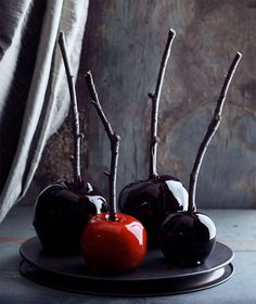 Marvelously Macabre Candied Apples For Halloween