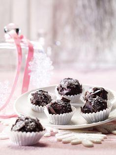 Knusprige Pralinen mit Schokolade und Alkohol zu Weihnachten