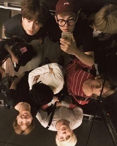 ♥ Bangtan Boys ♥ Suga ♥ Taehyung ♥ Jin ♥ J hope ♥ JungKook ♥ Namjoon ♥ & Jimin ♥ Namjoon, Taehyung, Seokjin, K Pop, Bts Memes, Billboard Music Awards, Rap Monster, Foto Bts, Boy Scouts
