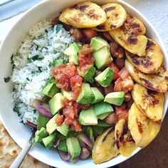 "{ pinterest: jessicasohda }(@jessicasodenkamp) on Instagram: ""Cilantro-lime rice on top of romaine, topped with cumin-spiced beans, sautéed veggies, creamy…"""