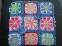 Looking for pattern of this gorgeous granny squares.