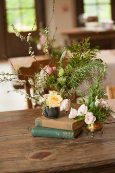 Gorgeous wedding styled by Virtu floral and Event Design  Vintage brass accent pieces from Southern Vintage rentals