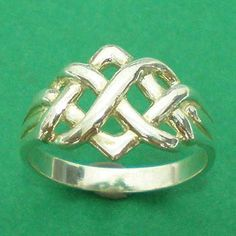 Irish Celtic noeud infini Eternity Ring une bande 925 par yhtanaff, $26.00