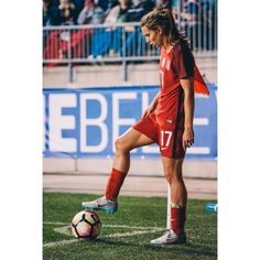 Soccer is just like any other sport when it comes to being a better player. Sports Football, Football Girls, Girls Soccer, Female Football Player, Good Soccer Players, Soccer Pictures, Soccer Pics, Soccer Photography, Soccer Motivation
