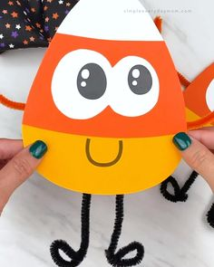 Halloween Arts And Crafts, Halloween Crafts For Toddlers, Halloween Crafts For Kids, Toddler Crafts, Preschool Crafts, Halloween Diy, Kids Crafts, Halloween Office, Halloween Recipe