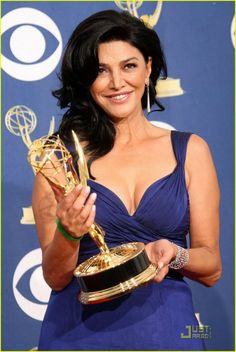 The beautiful Shohreh Aghdashloo accepting the award on behalf of all Iranians. Such an inspiration!