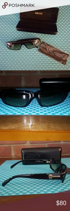 ccb0a487d41ea Versace sunglasses Versace small framed sunglasses no scratches arm is bent   box has scratches