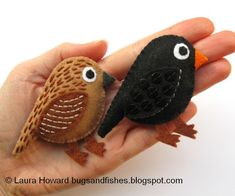 Bugs and Fishes by Lupin: How To: Make a Pair of Felt Blackbirds  good site for felties.