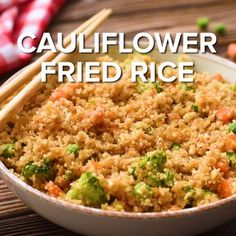 cauliflower recipes This Low Carb Cauliflower Fried Rice tastes as delicious as your favorite take-out fried rice, but a healthier version! This dish is packed with veggies and easily made in just 15 minutes! Healthy Rice Recipes, Rice Recipes For Dinner, Diet Recipes, Healthy Soup, Soup Recipes, Avocado Recipes, Healthy Dishes, Sausage Recipes, Healthy Garlic Bread