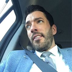 Heading home after long day Love To Meet, My Love, Jonathan Silver Scott, Great Scott, Scott Brothers, Property Brothers, Movies And Tv Shows, Hot Guys, Handsome