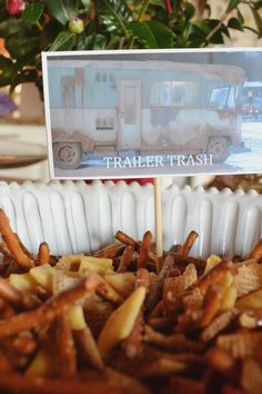 Trailer (or RV!) trash // Christmas With Cousin Eddie // National Lampoon's Christmas Vacation inspired party Christmas Party Games For Adults, Christmas Party Decorations, Xmas Party, Christmas Themes, Holiday Ideas, Parties Decorations, Parties Food, Tacky Christmas, Christmas Holidays