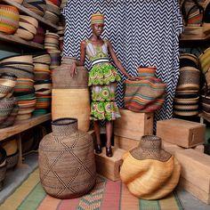 Basket Weaving, Hand Weaving, Wooden Toilet Seats, Paint Charts, Interior Design Studio, Beautiful Space, Elegant Woman, Bed Design, Yolo