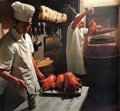 Peking duck cooking, 1968 Peking Duck Restaurant, Chinese Restaurant, Food N, Food And Drink, Asian Recipes, Holiday Recipes, Cooking Recipes, Tasty, Homemade