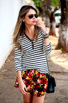 Short: Motel Rocks para Picida - Blusa: Picida - Bolsa: Chanel - Óculos: Rayban