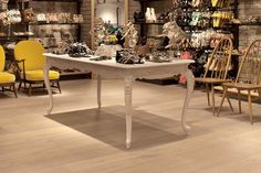 Xtreme is a contemporary pre-finished traditional-looking genuine engineered timber plank that is up to 60% harder than oak, making it exceptionally durable and practical, ideal for high-traffic areas.