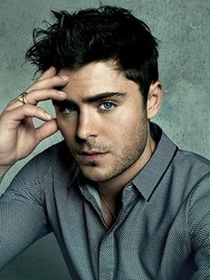 Whuuu #ZacEfron looks a little like #CaseyAffleck here(Courtesy of Starworks Artists Facebook) which is funny bc I never found him attractive...until now. It probably has a lot to do with the fact that he was like 12 in #HSM :)