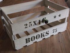 Stoere boekenkist van oud fruitkistje