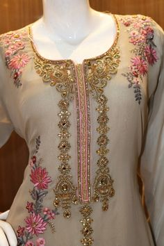 A wide range of Party wear and Casual wear suits with prints and embroidery engraved. Hand Embroidery Design Patterns, Embroidery Suits Design, Embroidery Works, Kurti With Jacket, Zardosi Embroidery, Neck Designs For Suits, Sharara Suit, Salwar Designs, Pakistani Bridal Dresses
