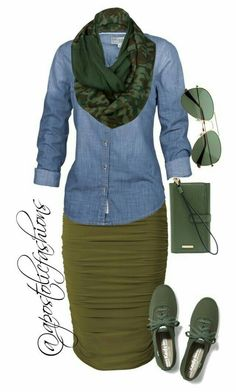 Here is another really cute combo making a pencil skirt look casual. Legwear is still a question. It is a fall/winter outfit so bare legs would not work, especially in most states 😄 Lisa Fat Fashion, Fashion Mode, Look Fashion, Autumn Fashion, Womens Fashion, Fashion News, Komplette Outfits, Spring Outfits, Casual Outfits