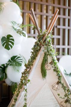 Details abound in this Minimalist Safari Birthday Party here at Kara's Party Ideas. Just because it is minimal doesn't mean it's boring! Safari Theme Birthday, Wild One Birthday Party, Safari Birthday Party, Jungle Party, Boy Birthday Parties, Sleepover Party, Birthday Party Decorations, Safari Decorations, Jungle Safari