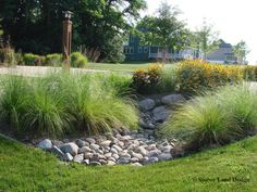 Astounding 75+ Beautiful Rain Garden You Should Have In Your Home Front yard http://goodsgn.com/gardens/75-beautiful-rain-garden-you-should-have-in-your-home-front-yard/