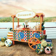 Planning a colourful mehendi, then how about adding a colour blast cart for a tangy lemonade stall. Pc: design Hq #wedding #weddingideas #indianwedding #decor #weddingdecor #mehendidecor #weddinginspiration #wittyvows #trendy #trending