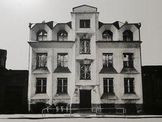The House That Lars Built.: Cubist architecture