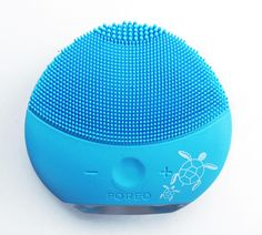 Foreo Luna vs. Clarisonic: Foreo Luna Mini 2 'Save The Sea' Limited Edition Review