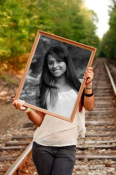 Senior pictures...love this... would like to try the opposite and have the background black and white and inside the frame in color