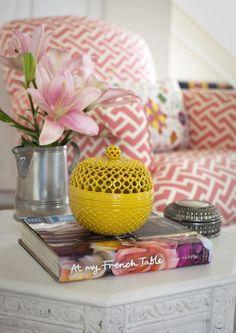 vintage vase,yellow vase,chevron armchair,geometric sofa,decor trends