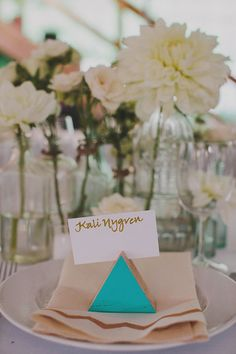 Modern New York wedding | Photo by Les Loups Pictures and Songs | Read more - http://www.100layercake.com/blog/?p=73570