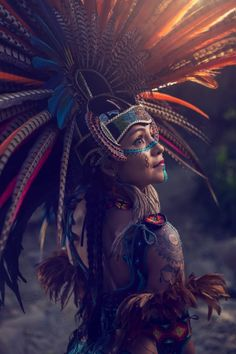 Need some portrait photography inspiration? Fascinating Aztec myths come to life through cinematic portraits in JP Stones' latest cultural workshop project. Aztec City, Aztec Costume, Iphone Cover, Armband Tattoos, Navajo Print, Aztec Warrior, Mesoamerican, Chicano Art, Aztec Designs