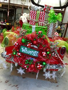 Whoville On The Backlot The Grinch Cindy Lou Who Max The Dog Fotopedia Christmas 1