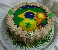 Bolo de Chocolate Temático - Copa do Mundo 2014 - Theme Cake - World Cup - https://www.docemeldoces.com/