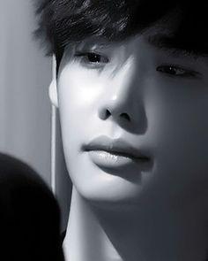 Lee Jong Suk Hot, Lee Jung Suk, Lee Jong Suk Wallpaper, He Jin, Angel Movie, Young Male Model, Doctor Stranger, Handsome Korean Actors, Kim Joon