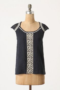 I just bought this... how cute will it look with white shorts or pants? I've got a while to wait.