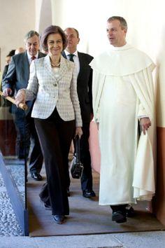 Queen Sofia of Spain (L) and a Pauline Monk visit 'Real Monasterio San Jeronimo de Yuste' on 26.05.2014 in Cuacos de Yuste, Spain.