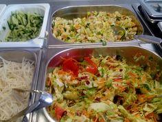 Salaatteja tarjolla