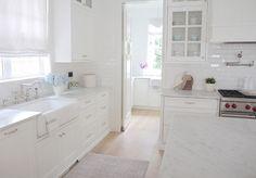 Benjamin Moore OC-117 Simply White. Best white paint color for cabinets Benjamin Moore OC-117 Simply White.