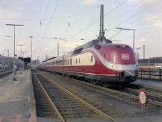 VT601 at Uelzen, 14th April 1985 by 74009, via Flickr