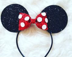 Vintage Inspired Mouse Ears Our Ultra Sparkly non shedding Minnie Ears are the perfect touch for your next Disney Trip Ears are 3 in diameter Hard headband Fits age Ships in business days. Minnie Mouse Headband, Mickey Mouse Ears, Pink Headbands, Diy Headband, Silver Headband, White Headband, Disney Headbands, Red Hair Clips, Ring Armband