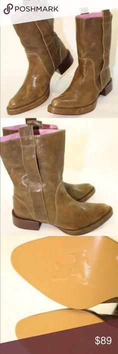 GeeWaWa NWT brown leather mid calf western boot GeeWaWa NWT (no original box) brown leather mid calf western boot size 6.0 GeeWaWa Shoes Ankle Boots & Booties