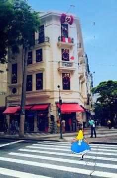 Alice na Selva de Pedra. Parabéns São Paulo!  [ Ph@thiagoggomez ] [ Criação: @thiagoggomez ] #Alice #SelvadePedra #Photo #Nikon